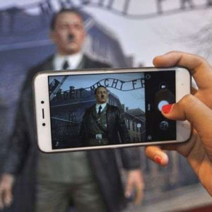 Selfie mit Adolf Hitler in indonesischem Museum
