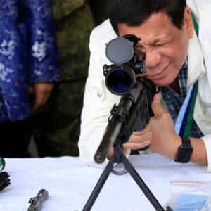 """Präsident Duterte: """"Philippinische Soldaten sollen im Kampf gegen weibliche Rebellen in die Vagina schießen"""""""
