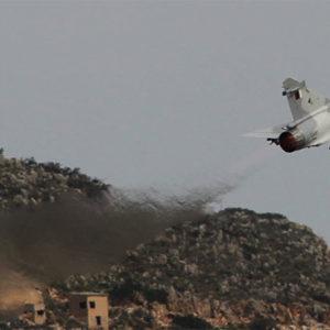 Türkische F-16 jagt griechischen Mirage Kampfjet