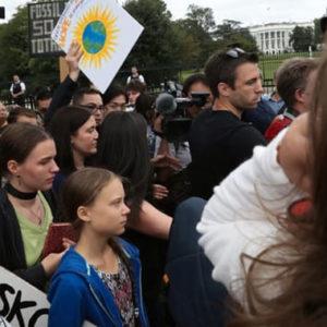 Greta Thunberg demonstriert vor dem Weißen Haus