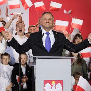 westliche Medien in Schockstarre – Der konservative Amtsinhaber gewinnt die Präsidentschaftswahlen in Polen knapp