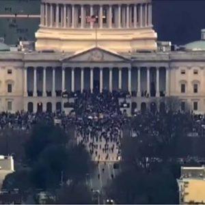Fanatische Trump-Anhänger stürmen das Kapitol