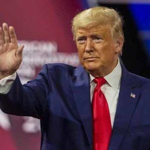 Donald Trump erscheint auf Bühne in Runen-Form
